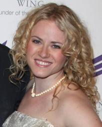 Emma Zaks Headshot