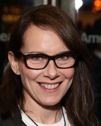 Amy Ryan Headshot