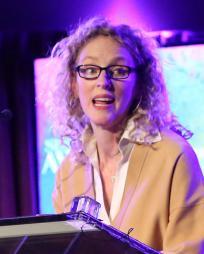 Vivienne Benesch Headshot