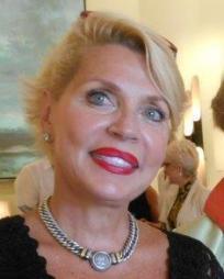 Ann Thomas Headshot