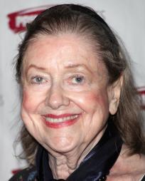 Elizabeth Wilson Headshot