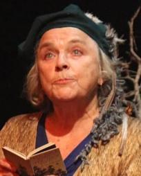 Elizabeth Swain Headshot