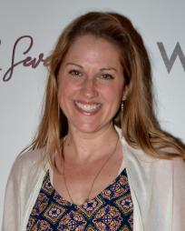 Julie Reiber Headshot