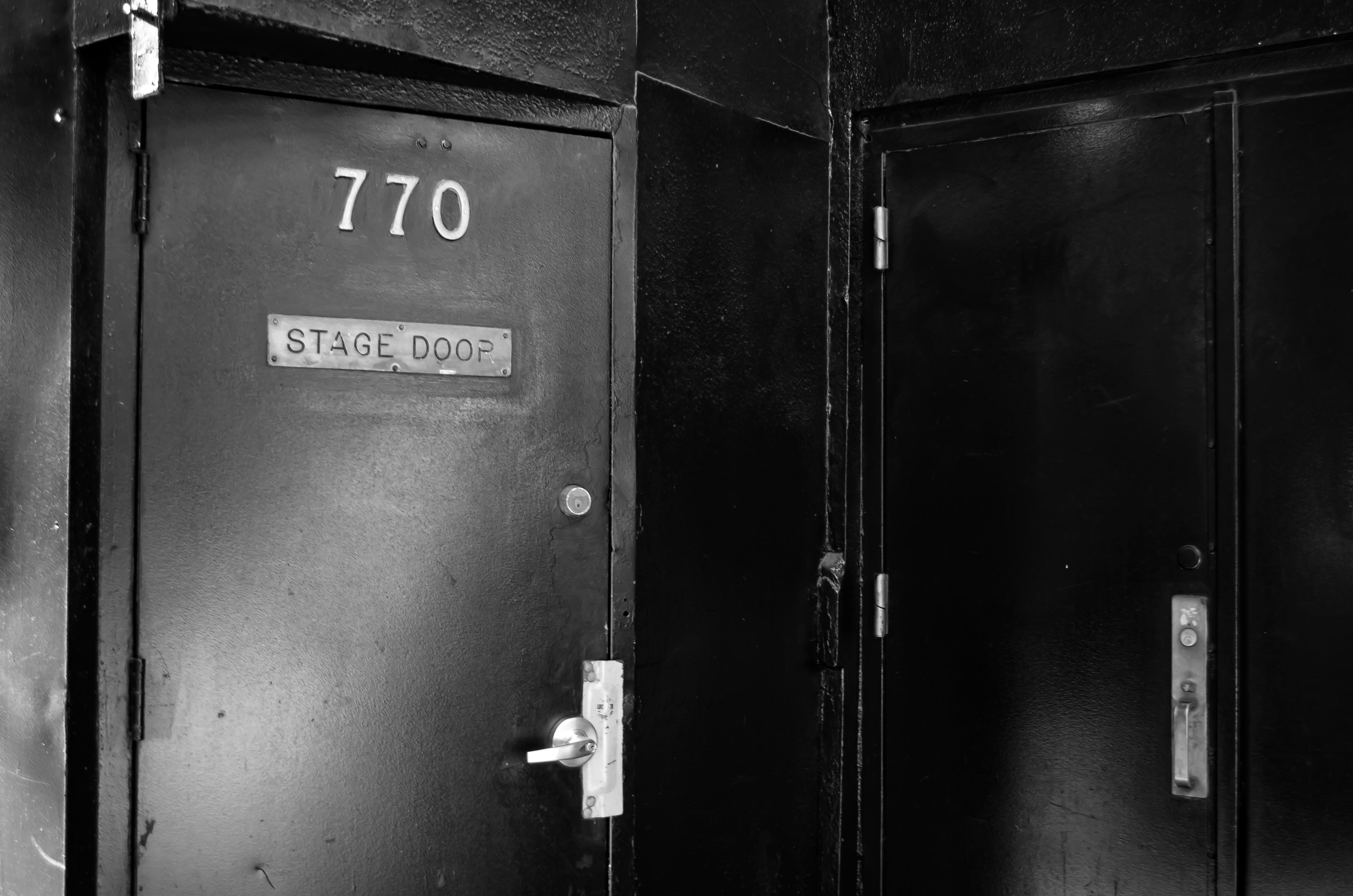 Winter Garden Theatre (Broadway) - Theater Information Stage Door
