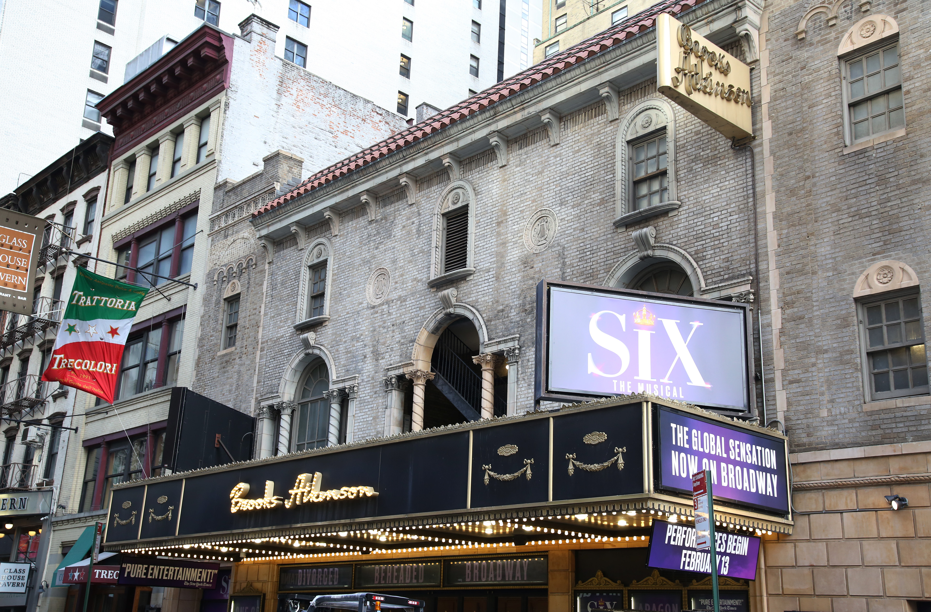 Brooks Atkinson Theatre (Broadway) - Theater Information Marquee