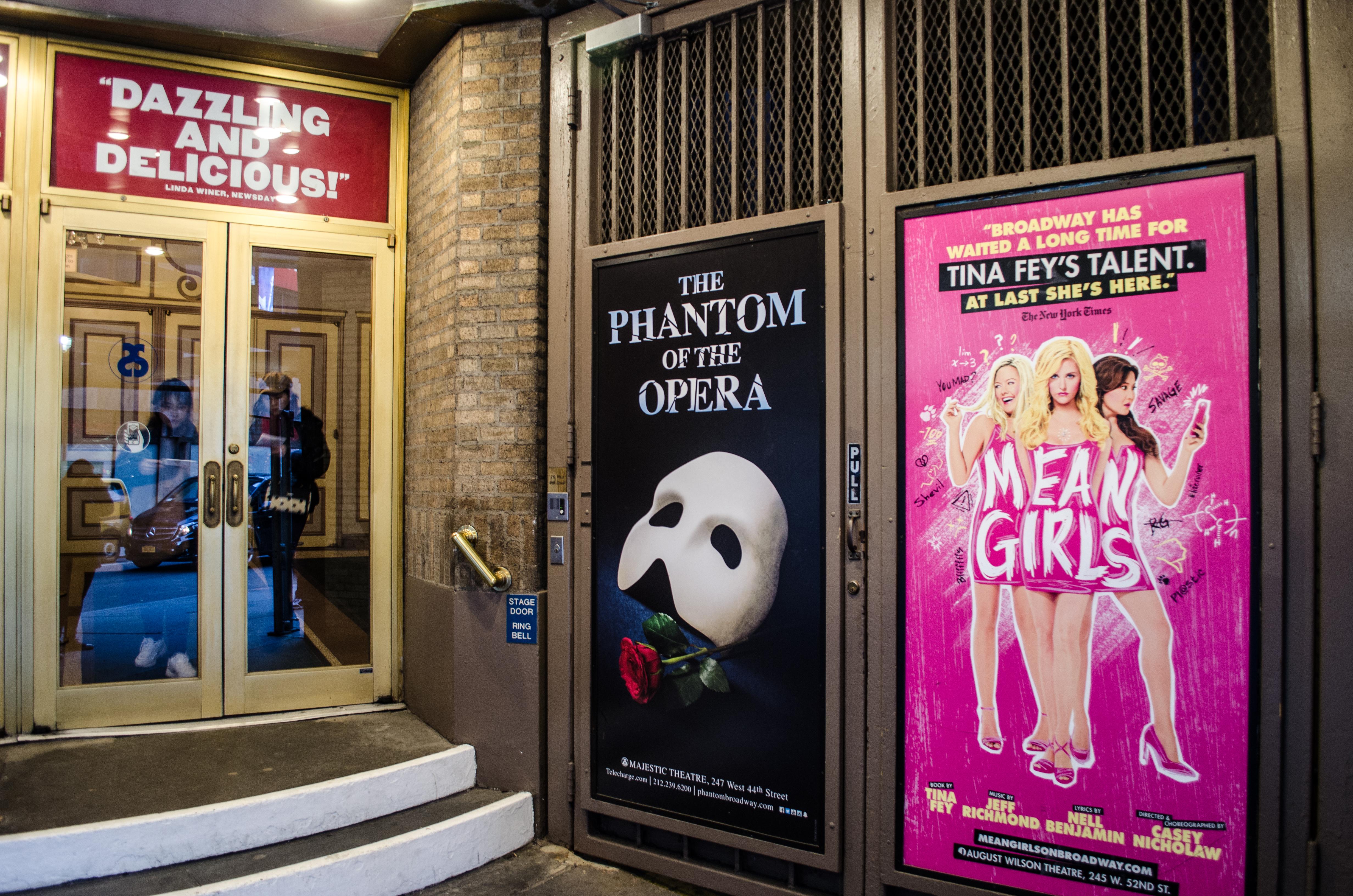 Ambassador Theatre (Broadway) - Theater Information Stage Door