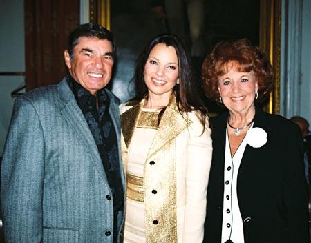 Fran Drescher With Her Parents Photo 2005 06 24