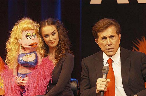 Brynn O'Malley and Steve Wynn at Avenue Q Hits Vegas!