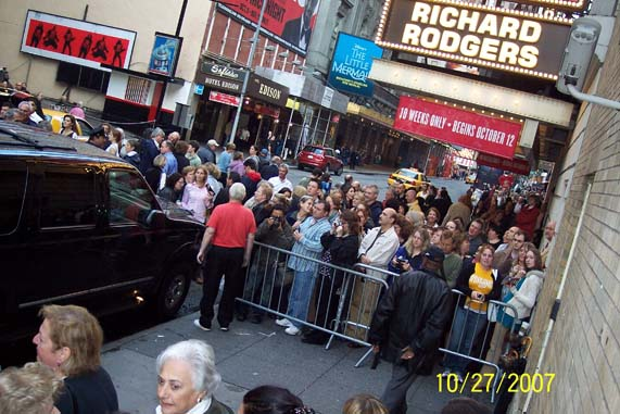 re: Well that's gonna be the craziest stage door ever