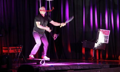 Uber Macaggi's comedic acrobatic style is truly amazing. 2