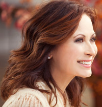 Linda Eder: Holiday Show in Off-Off-Broadway