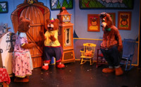 Ricitos and the 3 Bears / Ricitos y los 3 Ositos in Off-Off-Broadway