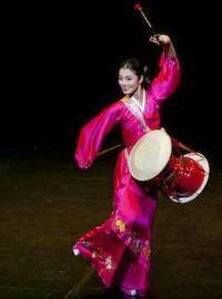 Midday Korean Dance in South Korea