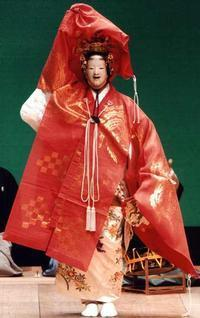 Japanese NOH for beginners and theatergoers in Japan