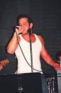 "Aaron Lohr sings ""Free"" Photo"