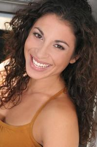 Stephanie Klemons Headshot