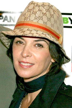 Annabella Sciorra Photo