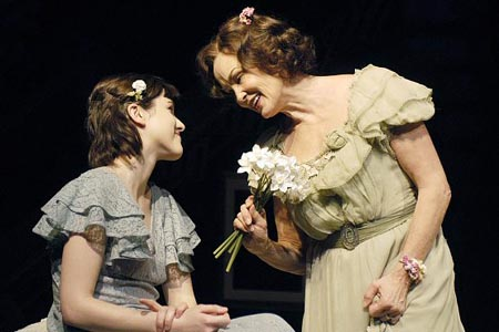 Photo Flash: Jessica Lange in The Glass Menagerie