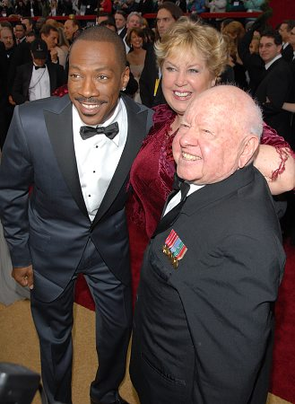 Eddie Murphy with Mickey Rooney and wife at 79th Annual Academy Awards