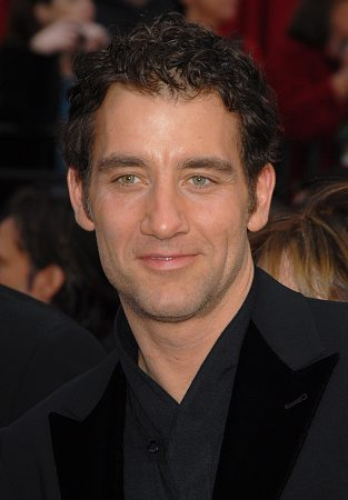 Clive Owen at 79th Annual Academy Awards