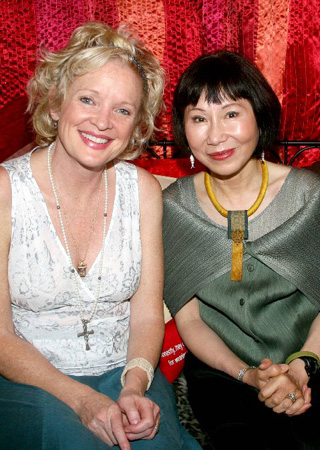 Christine Ebersole and Amy Tan at Amy Tan Visits Grey Gardens