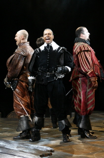 en garde 39 the three musketeers 39 aims for broadway. Black Bedroom Furniture Sets. Home Design Ideas