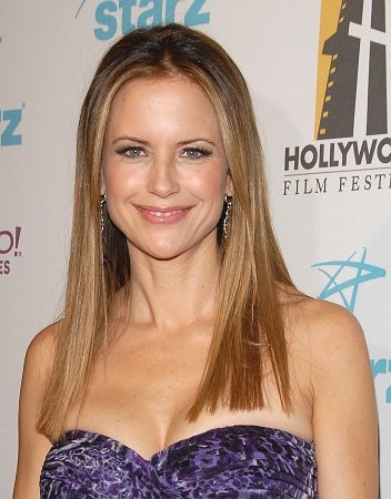 Kelly Preston Photo