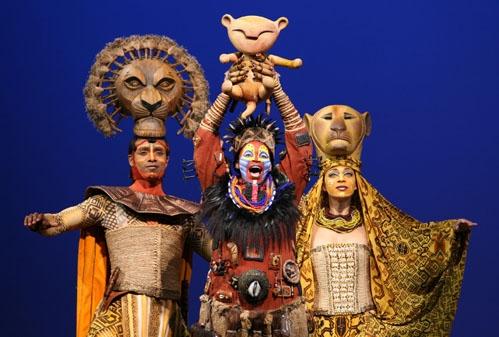 l-r: Nathaniel Stampley (Mufasa), Tshidi Manye (Rafiki) and Jean Michelle Grier (Sarabi)