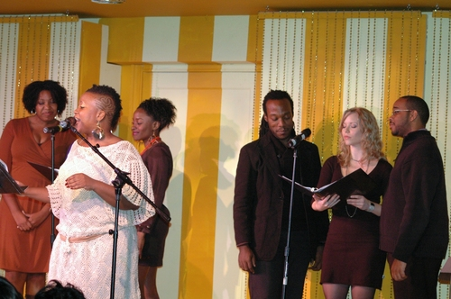 Q Smith with Seth Diggs, Marissa McGowen, Tyson Jennette, Idara Victor, Cortney Wolfson and Aurelia Williams at Sonnet Sings 'The Bard'