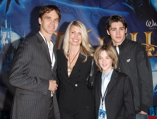 Luc Robitaille, wife Stashi, sons Steven and Jeffrey