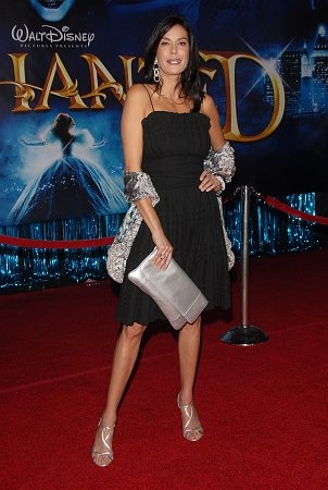 Teri Hatcher  at 'Enchanted' World Premiere