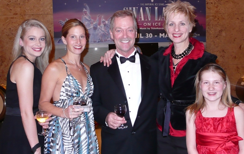 l-r: Anne Horak, Amy Burnette, Michael Horsley (Musical Director), Kelli Barclay (Associate Choreographer) and Cassidy Swanston