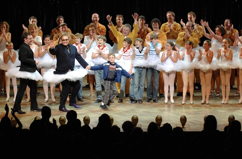 Elton John, Lee Hall and the Austrialian Billy Elliot company at opening night