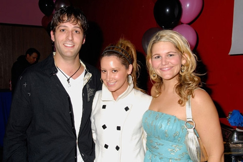 Co-star Cyrus Alexander, Ashley Tisdale and Annie Hendy