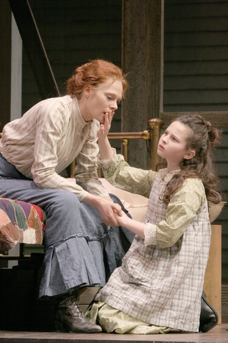 Annika Boras (Anne Sullivan) and Meredith Lipson (Helen Keller)