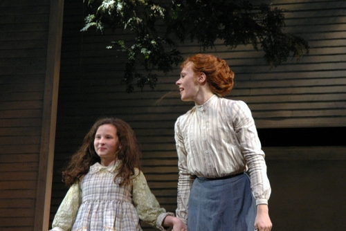 Meredith Lipson (Helen Keller), Annika Boras (Anne Sullivan)