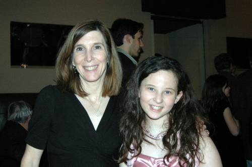Meredith Lipson (Helen Keller) and her mom Alli