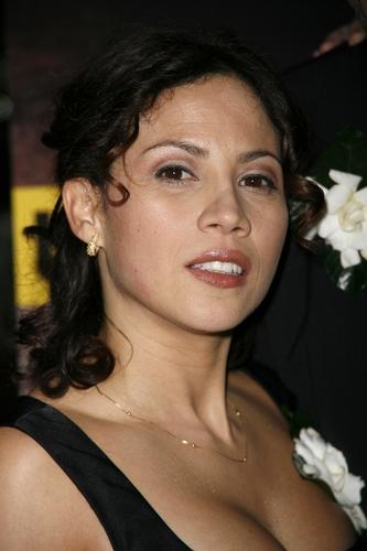 Elizabeth Rodriguez Photo