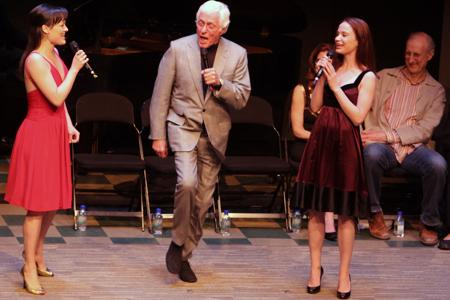 Photo Flash:  LA's Geffen Playhouse Honors Bening, Iger