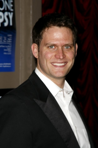 Steven Pasquale Photo