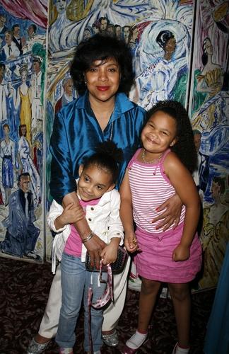 (2008-05-09) family Photo Phylicia and Rashad