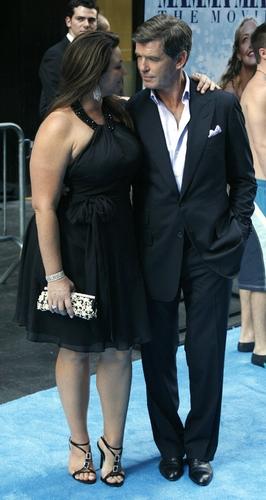 Pierce Brosnan and Keely Shaye Smith  Photo