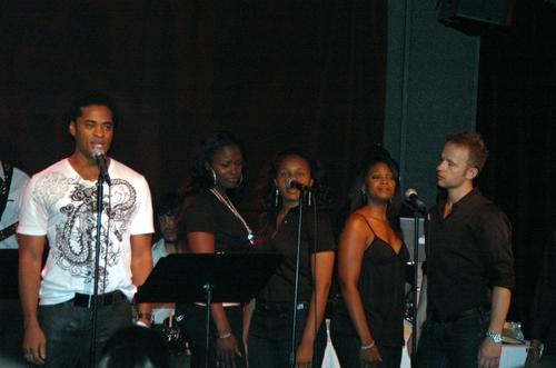 Destan Owens backed up by Brandi Chavonne Massey, Vanessa Jones, Jasmin Walker, Marty Photo