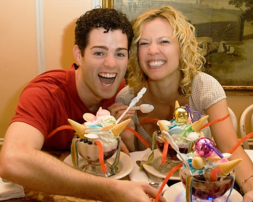 Photo Coverage: Xanadu Cast Enjoys 'Strange Magic' Sundae at Serendipity 3