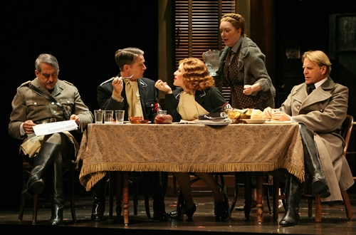 Photo Flash: To Be Or Not to Be at Manhattan Theatre Club
