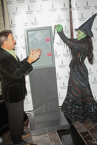 Photo Coverage: Kerry Ellis and Stephen Schwartz Light the Empire State Building WICKED Green