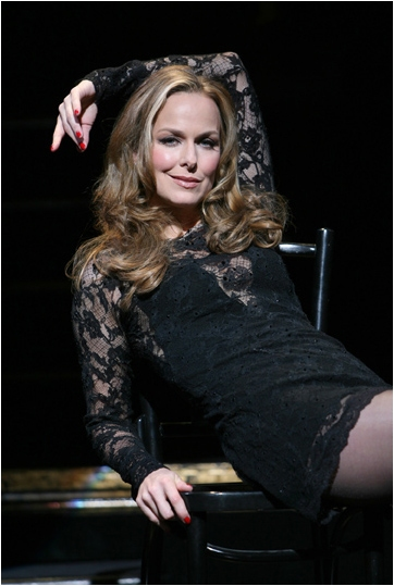 Photo Flash: CHICAGO Welcomes Melora Hardin 12/29