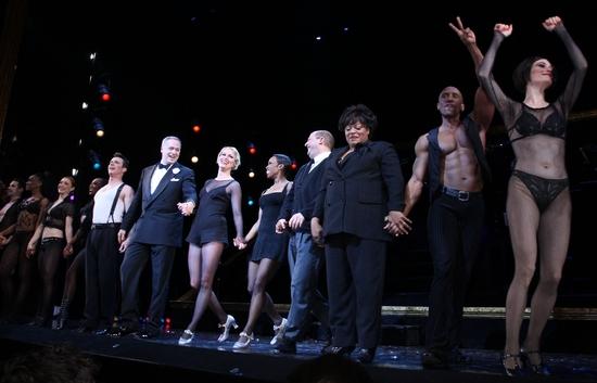 R. Lowe, Tom Hewitt, Melora Hardin, Brenda Braxton, Scott Davidson, LaVon Fisher-Wilson, Gregory Butler and Donna Marie Asbury at CHICAGO Welcomes Melora Hardin to Broadway!