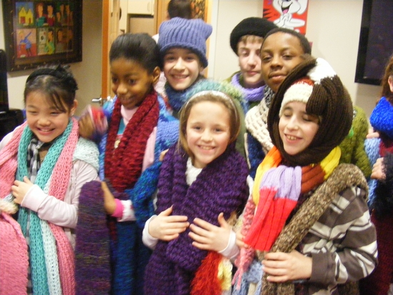Photos: BROADWAY KIDS CARE Present the 'Knitting Project'