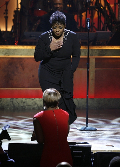 Anita Baker pays tribute to Mary J. Blige in song